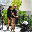 Tina Kunakey et Vincent Cassel en promenade