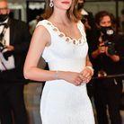 Sublime Noémie Merlant en robe blanche