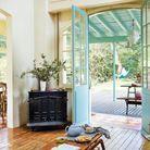 Une famille nombreuse nous ouvre les portes de sa maison de vacances...