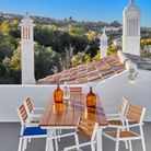 Table à manger extensible et chaises de jardin Carrefour