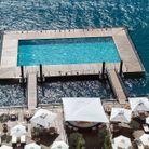 La piscine du grand hôtel Tremezzo en Italie