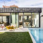 """Trophée d'or dans la catégorie """"piscine citadine inférieure à 30 m² et de forme angulaire"""""""