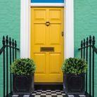 Une porte colorée toute en contraste
