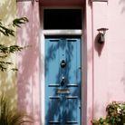 Une porte colorée très tendre