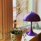 Lampe « Panthella » violette pour une touche de couleur décalée