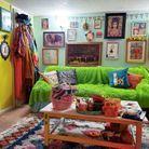 Un salon aux couleurs de l'arc-en-ciel