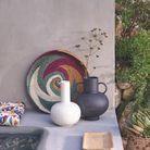 Vase noir en céramique  avec anses