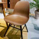 Une chaise en café recyclé