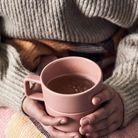 Un mug rose pâle