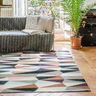 Tendance déco de l'automne-hiver : le tapis kilim pop