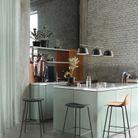 Vert d'eau, marbre et béton en cuisine