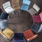 Des chaises en velours et métal