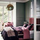 Une chambre grise féminine