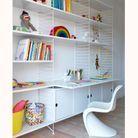 Etagères pour bébé puis bibliothèque et bureau