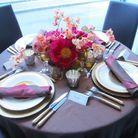 Une décoration de table dorée et raffinée