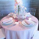 Une décoration de table rose poudré mais pas mièvre