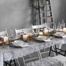 Décoration de table hiver : osez la nappe en dentelle