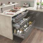 Des placards de cuisine pratiques qui multiplient les profondeurs