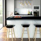 Une cuisine design noire et blanche