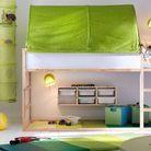 Un lit mezzanine avec un espace jeux pour les enfants