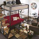 Un lit mezzanine avec un espace salon