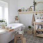 Une salle de bain ambiance bien-être