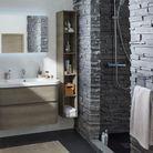 Salle de bains zen grâce à la pierre