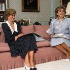 Lady Di dans son salon à Kensington Palace en 1985