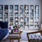 La bibliothèque Billy en version blanche et aux portes vitrées