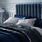 Un jeté de lit en velours pour une déco douillette