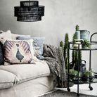 Un salon gris dépaysant