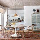 La table Tulipe dans une salle à manger à l'esprit mix & match