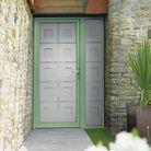 Une porte d'entrée bicolore