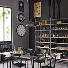 Une verrière dans la cuisine en guise de tableau noir