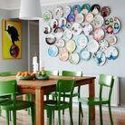 On décore son mur avec des assiettes