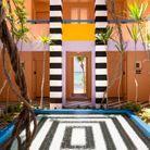 Un patio comme un clin d'oeil à Daniel Buren