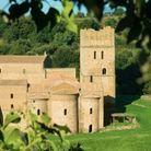 3 / Une vaste tour médiévale en Italie