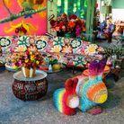 Le petit salon déborde de couleur
