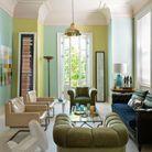 Un salon facétieux aux couleurs acidulées