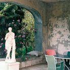 Pour les jours de pluie, un petit patio donnant sur le jardin