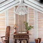 Entre tradition et modernité, une des cabanes-maisons imaginées par l'architecte d'intérieur Vera Iachia, à qui l'on doit le « style Comporta ».