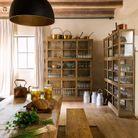 Une cuisine qui accueille les produits frais du jardin