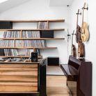 Un coin musique intégré au salon