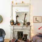 Un salon qui mélange les genres avec une pièce phare : le trapèze