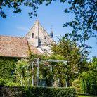 La maison recouverte de végétation en plein cœur du Vexin normand.