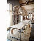 Une salle à manger de chalet démesurée