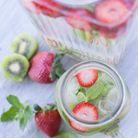 Eau détox fraise kiwi menthe