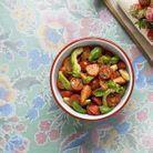 Salade de fraises, tomates-cerises, avocat et basilic