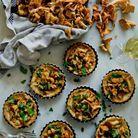 Tartelettes de girolles et crème d'ail