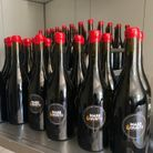 Les bouteilles préparées pour l'immersion